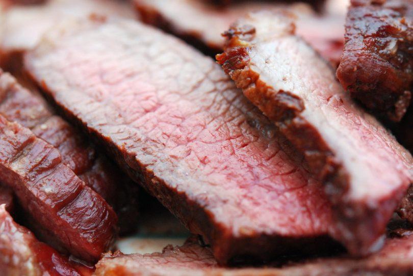 Imagem de carnes cortadas e bem suculentas