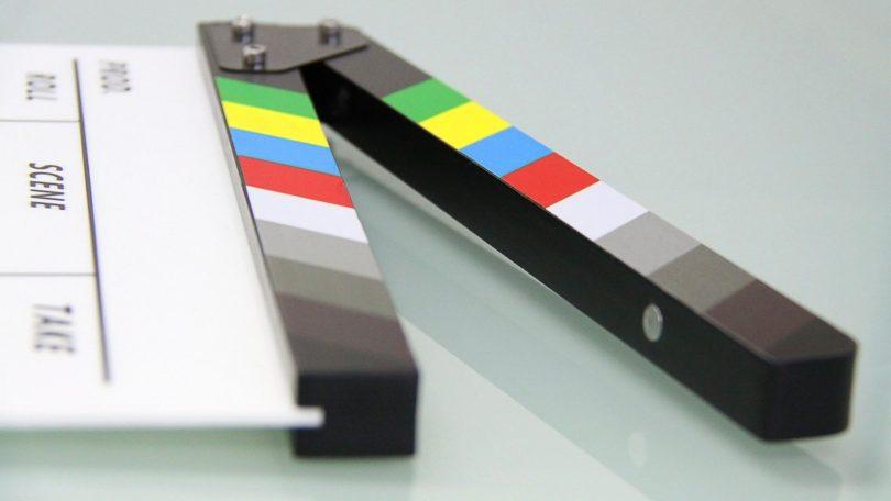 Imagem de instrumento usado para início de cena de filme