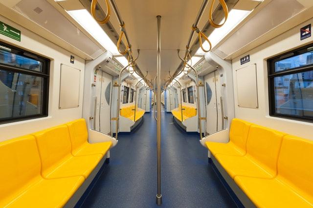 Vagão de trem vazio em Barcelona