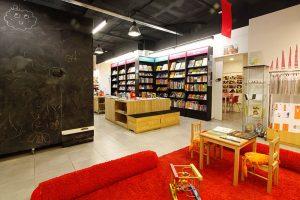 Criatividade e conforto na livraria Abracadabra