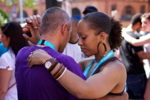 Maiores relações sociais por meio da dança