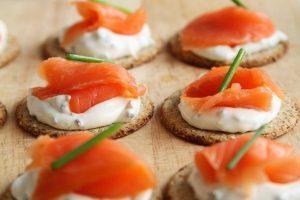 Imagem de petiscos com salmão