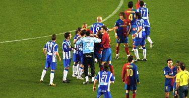 Imagem de um dos jogos entre FC Barcelona e Espanyol em 2008