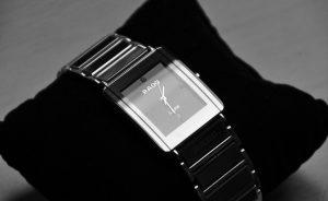 O relógio da marca Rado é um dos produtos da Joieria Rovira, em Barcelona