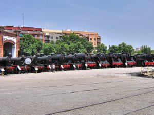 Imagem das locomotivas do Museu del Ferrocarril de Catalunya, em Barcelona