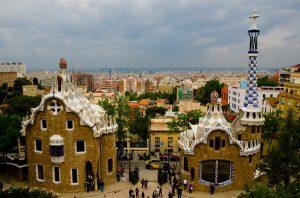 O Park Güell é uma das principais atrações de Barcelona