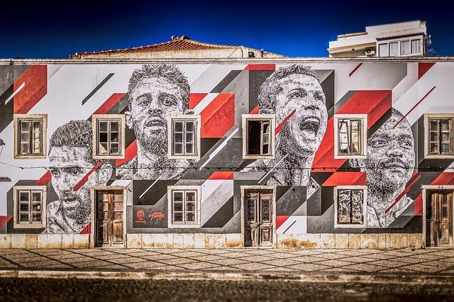 Parede de uma casa decorada com atletas de Portugal