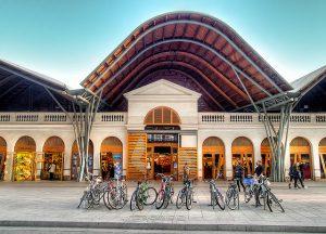 O Mercat de Santa Caterina é um dos ícones do distrito de Ciutat Vella