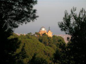 O Observatori Fabra, no topo do Tibidabo, em Sarrià-Sant Gervasi