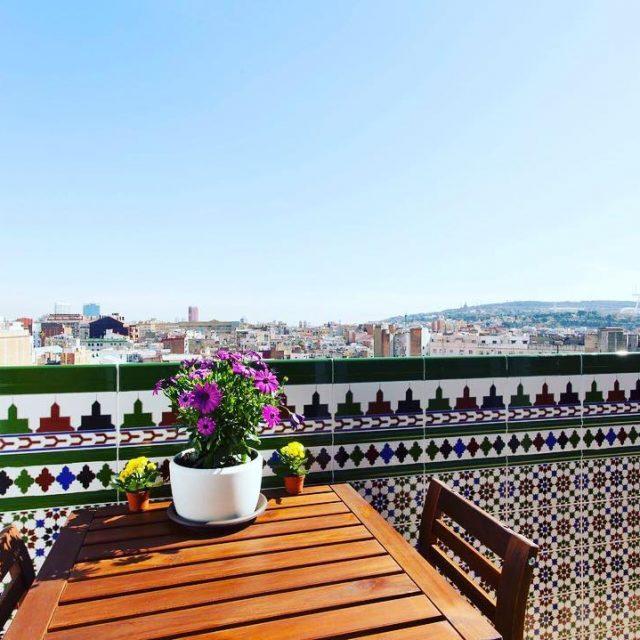 Precioso balcn con bonitas vistas a la ciudad de Barcelonahellip
