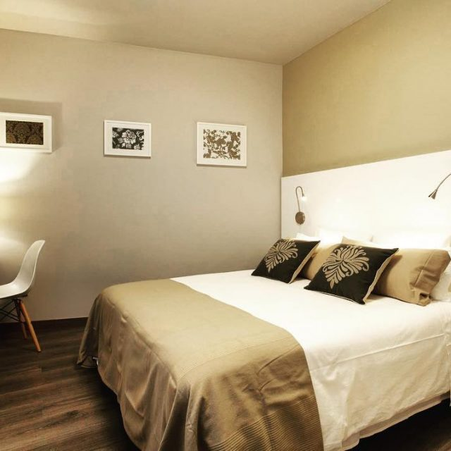 Take a look at this beautiful double bedroom with ahellip