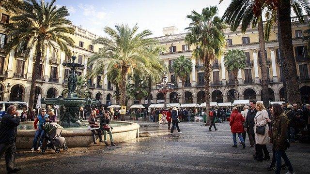Uma das praças de Barcelona mais visitadas