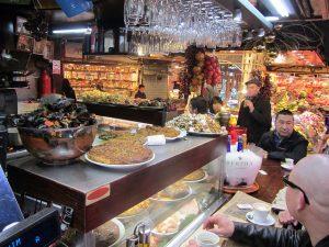 O El Quim de la Boquería tem umas das melhores tapas do Raval