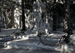 A ruta artística do cemitério de Monjuïc permite que vejamos belas esculturas e mausoléus
