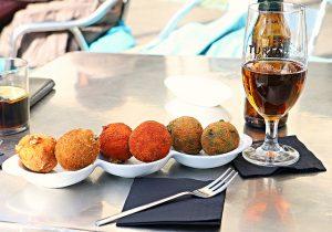 Tomar um vermut em Sant Antoni é, também, degustar deliciosos aperitivos vegetarianos