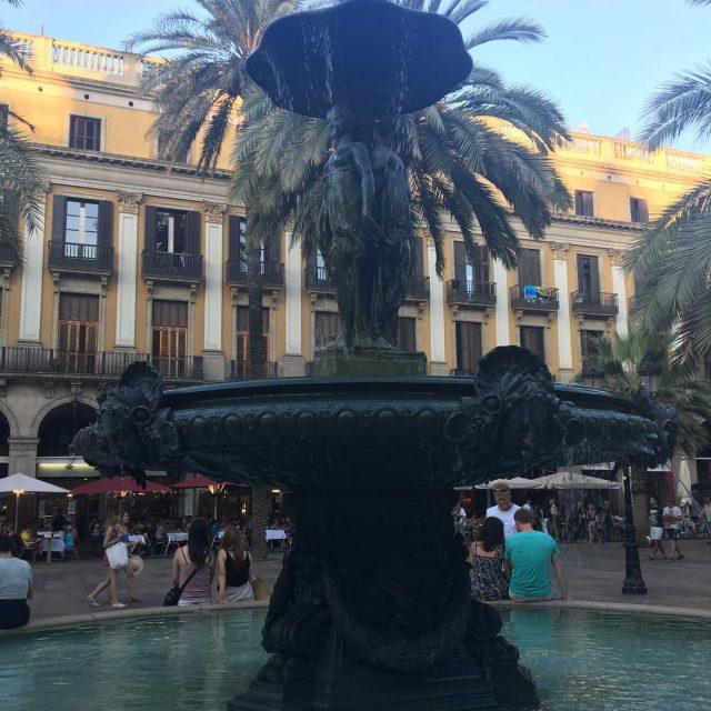Conoces la Plaa Reial? plazareial fuente fountain barcelona catalunya spainhellip