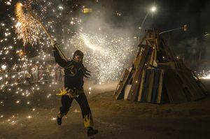 As festas de Sant Joan marcam um dos mais importantes feriados na Catalunha