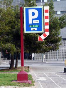 Fique atento aos horários e dias de estacionamento gratuito em Barcelona