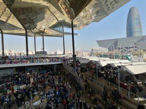 O Mercado de Encants representa uma das maiores feiras de Barcelona