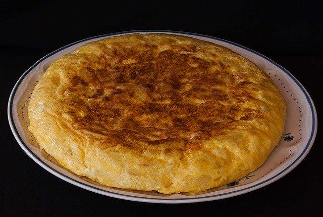 Tortilla é um prato que faz parte da alimentação espanhola