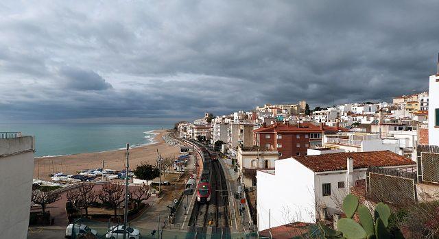 Chegar nas praias de Maresme é fácil com o trem