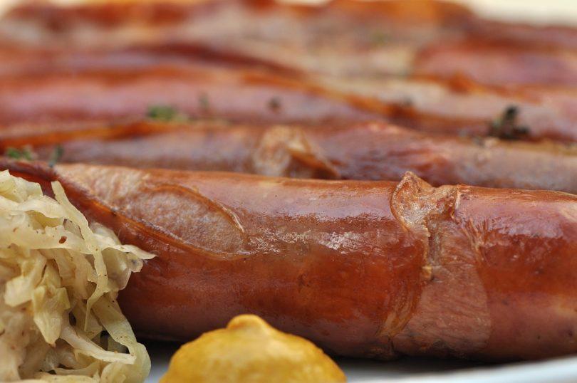 Imagem de salsichas com molho