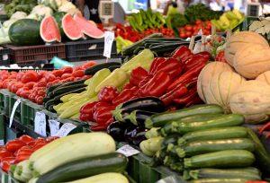Imagem de frutas, legumes e verduras em feira