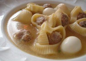 Imagem de um prato de sopa de galets