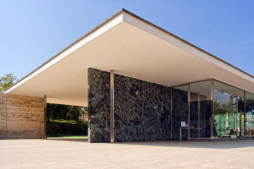 Imagem da parte externa do Pavilão Alemão de Barcelona