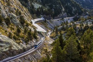 Conheça Vall de Núria - trem cremalheira
