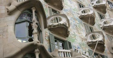 Qual é a decoração típica da Catalunha