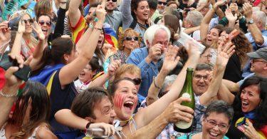 Dia Mundial da Alegria - declaração de independência da Catalunha