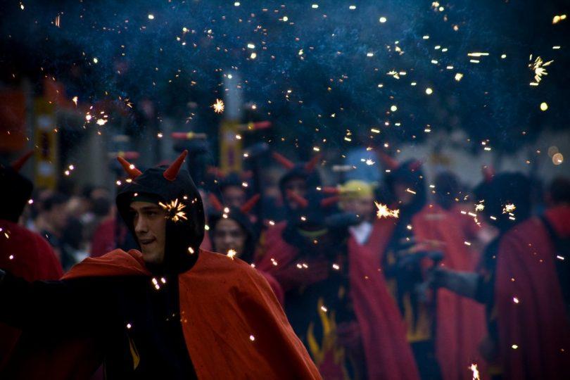 Festas tradicionais de Gràcia com correfocs