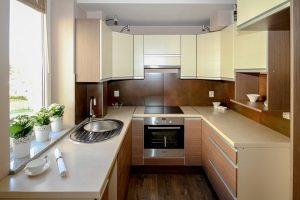 Cozinha reformada para aluguel de apartamento