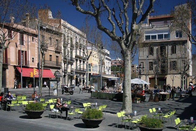 Um dos pontos mais conhecidos de Sarrià é a sua praça de mesmo nome, a Plaça de Sarrià