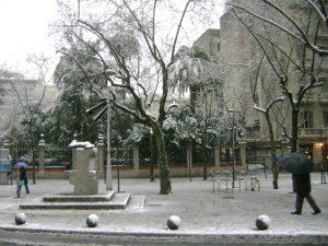 Imagem da Avinguda Diagonal em dia de muita neve