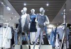 Imagem de manequins com roupa em loja
