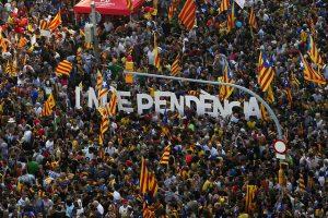 Imagem de milhares de cidadãos independentistas