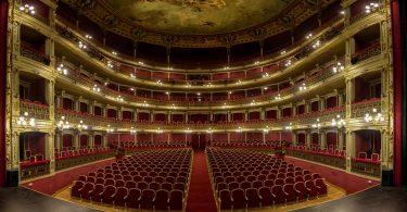 Imagem do interior do Teatro Romea