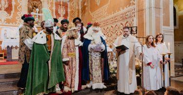 Imagem dos três Reis Magos em igreja