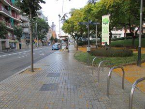 Imagem de rua residencial em Guinardó, Barcelona