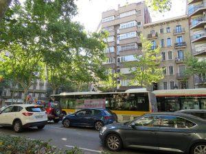 Imagem de um dos trechos de trânsito em Barcelona