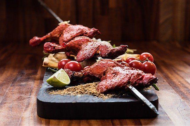 O sabor da carne temperada é um dos segredos do Halal